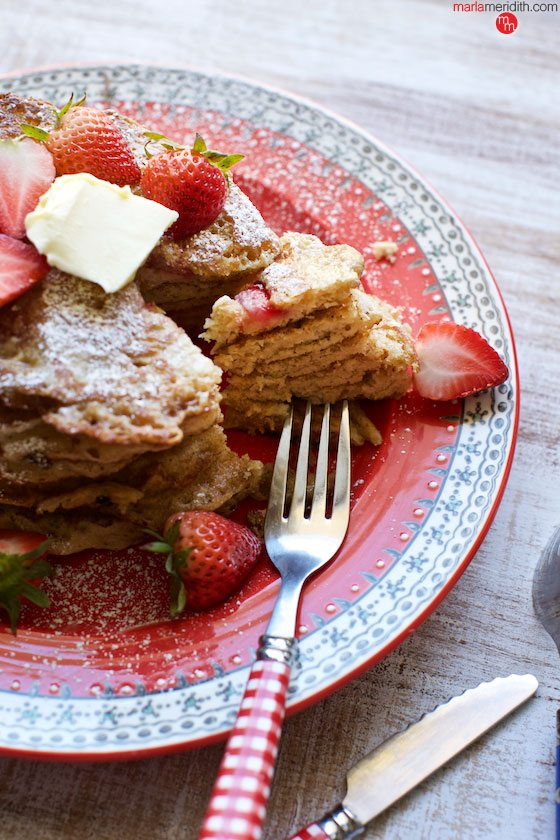The BEST STRAWBERRY VANILLA PANCAKES ever! #recipe #breakfast MarlaMeridith.com ( @marlameridith )