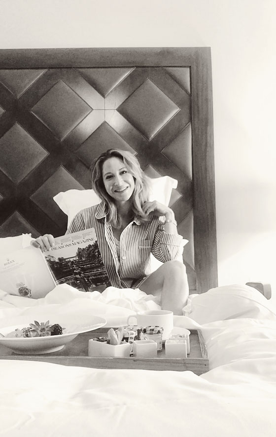How to Make the Perfect Breakfast in Bed for that Special Someone! From recipes to tabletop and styling ideas to make this extra special. MarlaMeridith.com